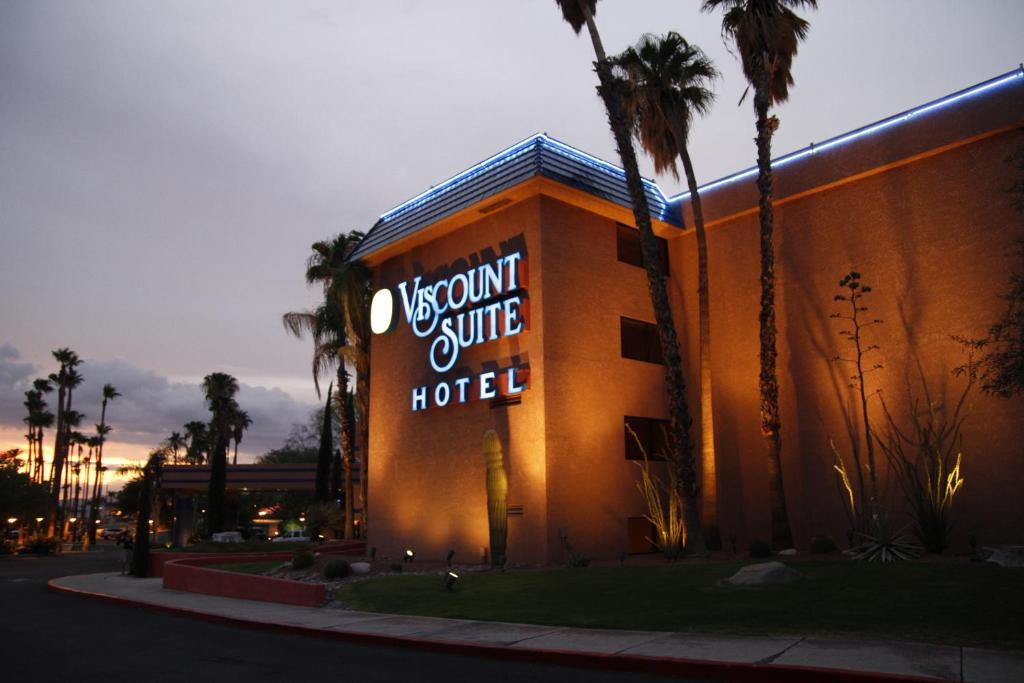 Book Now Viscount Suite Hotel (Tucson, United States). Rooms Available for all budgets. An all-suite hotel with free Wi-Fi breakfast a heated outdoor pool and an on-site restaurant the non-smoking Viscount Suite Hotel provides a comfortable and affordable home ba