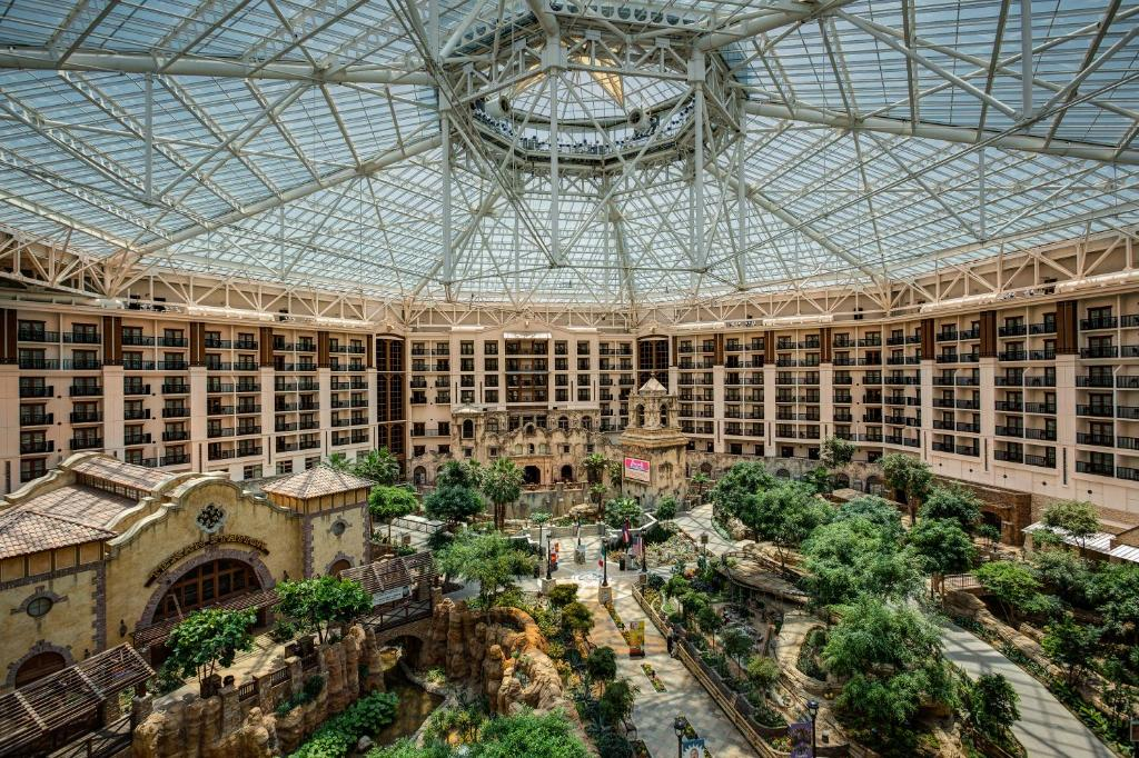 gaylord texan resort convention center in grapevine. Black Bedroom Furniture Sets. Home Design Ideas
