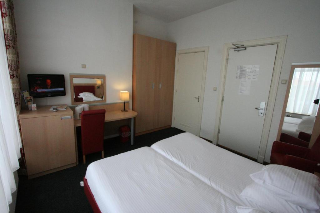 Hotel Duinzicht - room photo 3052642