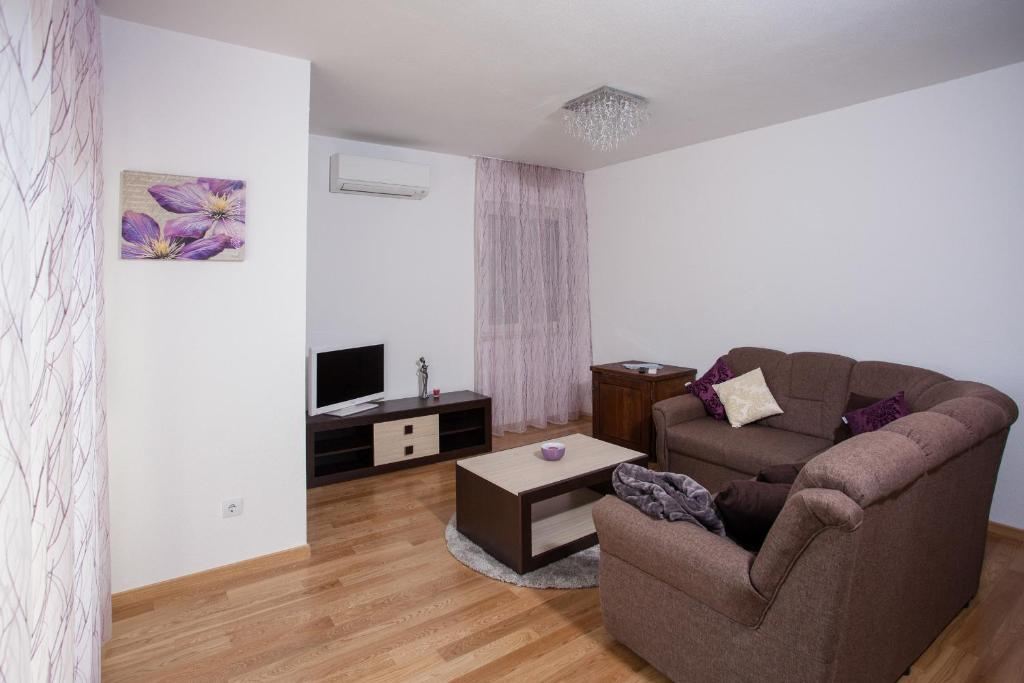 Two-Bedroom Apartment - Separate living room Luxury Vesna Apartments
