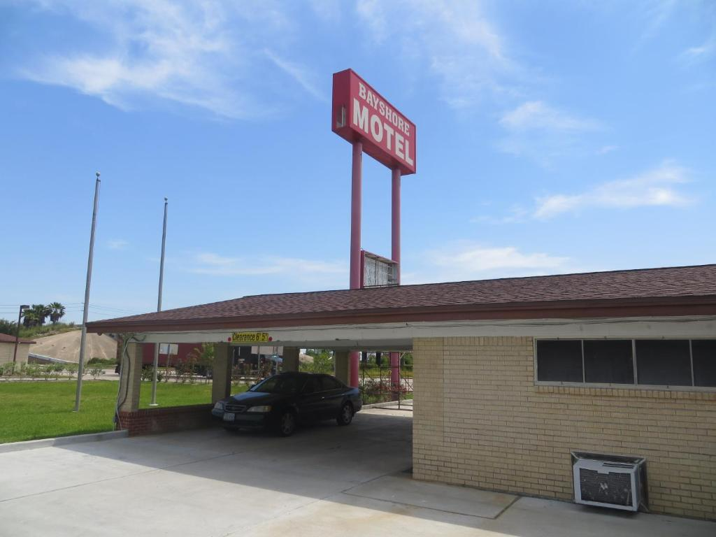 Bayshore motel in la porte texas 29 reviews park sleep for Hotels in la porte tx