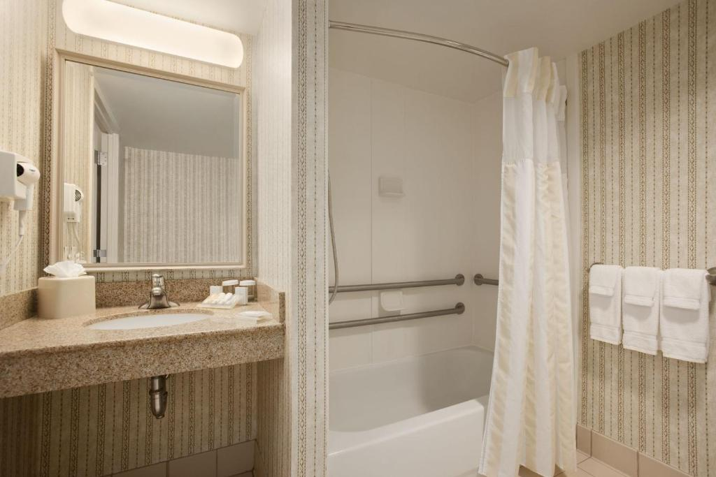 Hilton Garden Inn Syracuse Hotel Reviews At Our East Syracuse