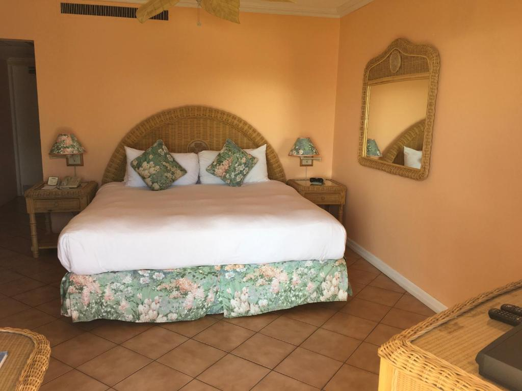 King or Twin Room - Beach Front Coco Reef Bermuda