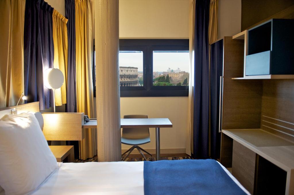 Mercure roma centro colosseo rome via labicana 144 00184 for Hotel roma centro