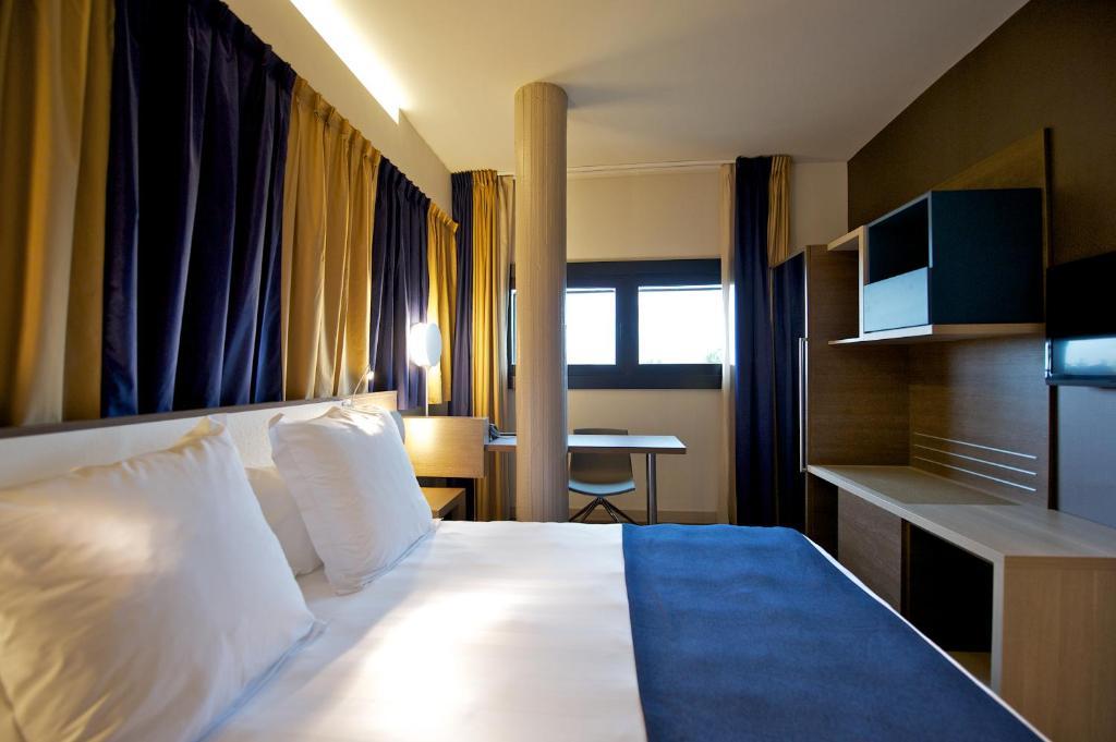 Mercure roma centro colosseo rome via labicana 144 00184 for Hotel roma centro economici