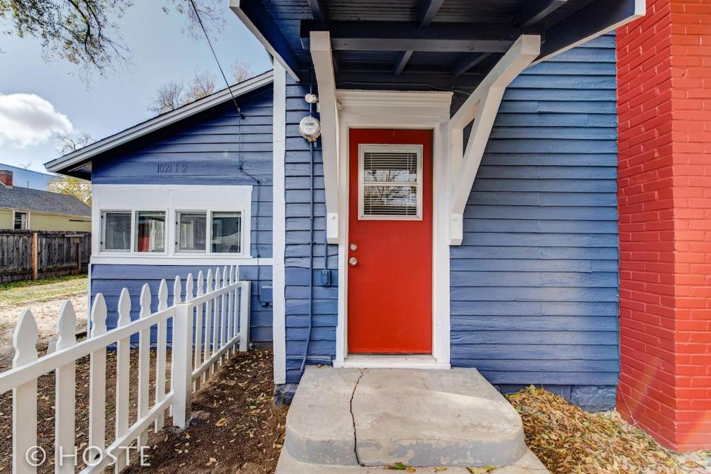 See all 6 photos *H* NEW! Downtown Cottage Newly Renovated! *