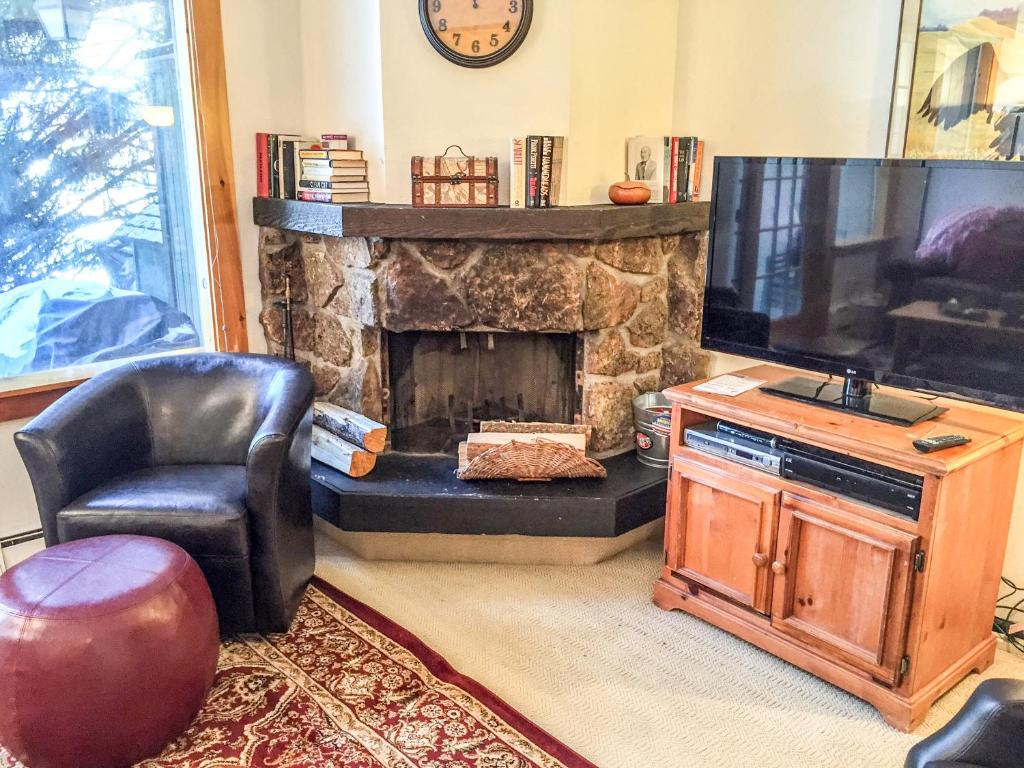 2 bed + loft townhome in W Vail 1975 Placid Dr, #24, Vail, CO 81657