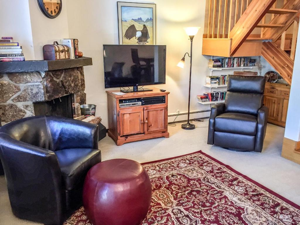 See all 6 photos 2 bed + loft townhome in W Vail 1975 Placid Dr, #24, Vail, CO 81657