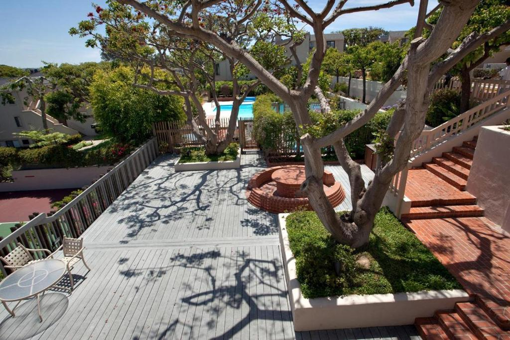 See all 6 photos 2 BR NV Condo SUR7 - Located in an oceanfront complex