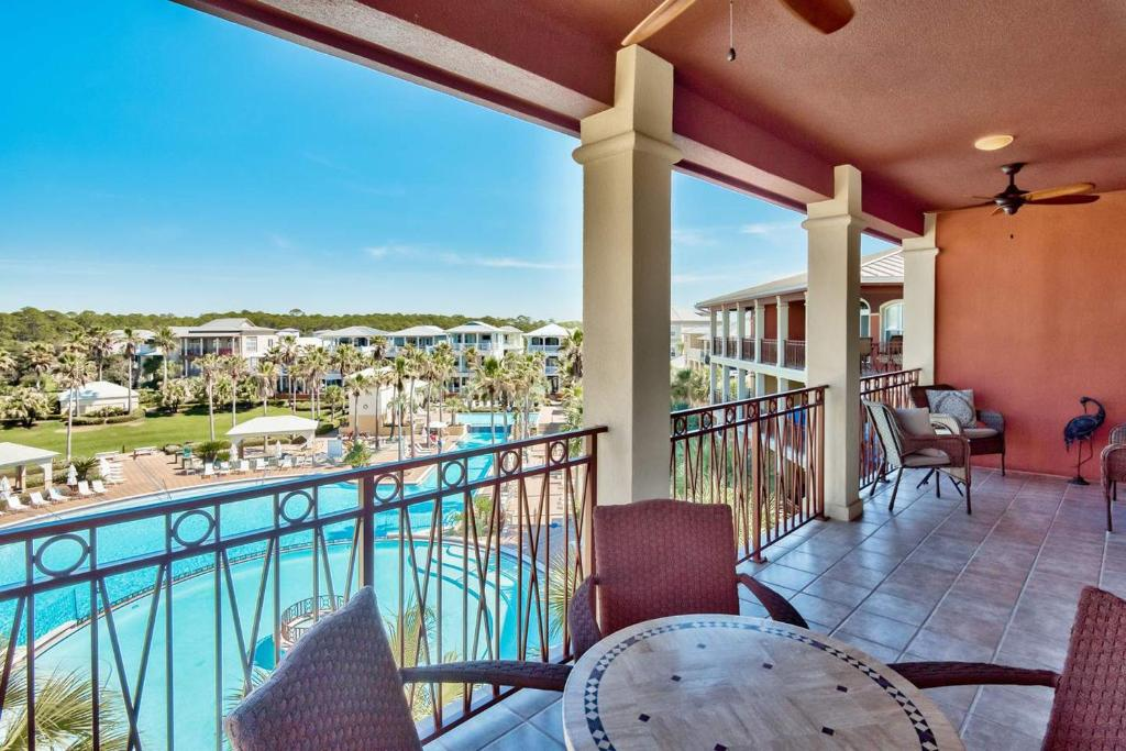 Villas at Seacrest 401B by RealJoy Vacations
