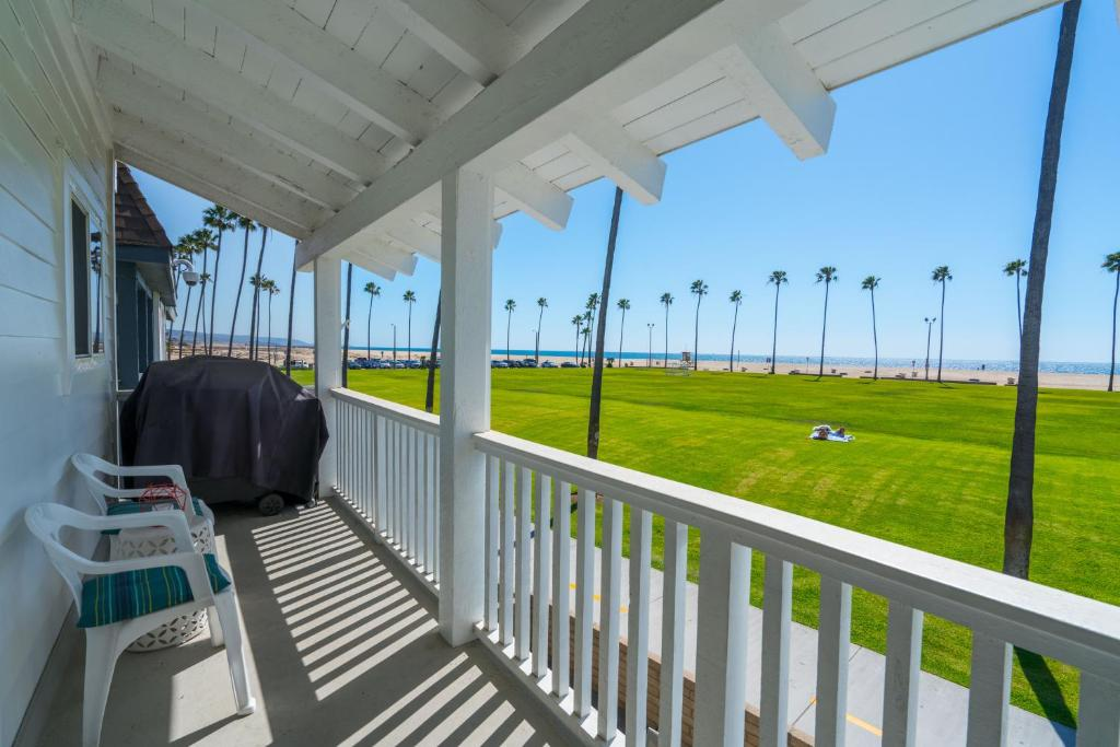 Balcony/terrace 906 East Oceanfront Upper Unit B 3 Bedroom Condo