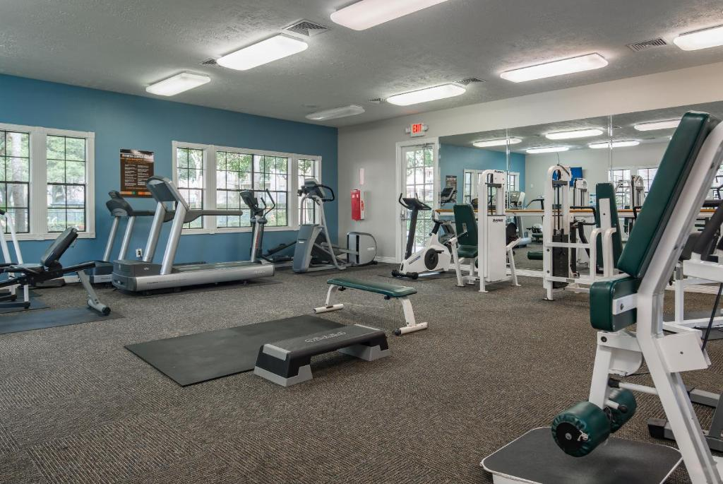 Fitness center Desirable Uptown Suites by Sonder