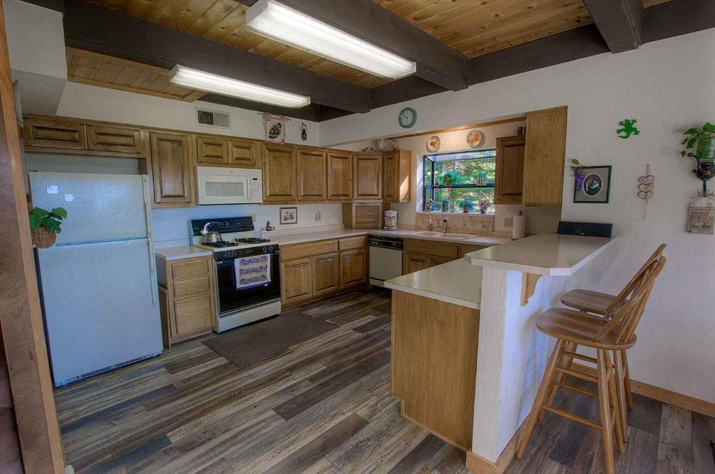 4 Bedrooms Home in Tahoe Vista Cabin