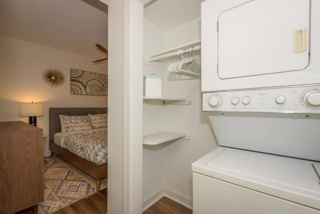 Dune Cottage Ocean Suite (2-Bd/2-Bth Beach Condo)