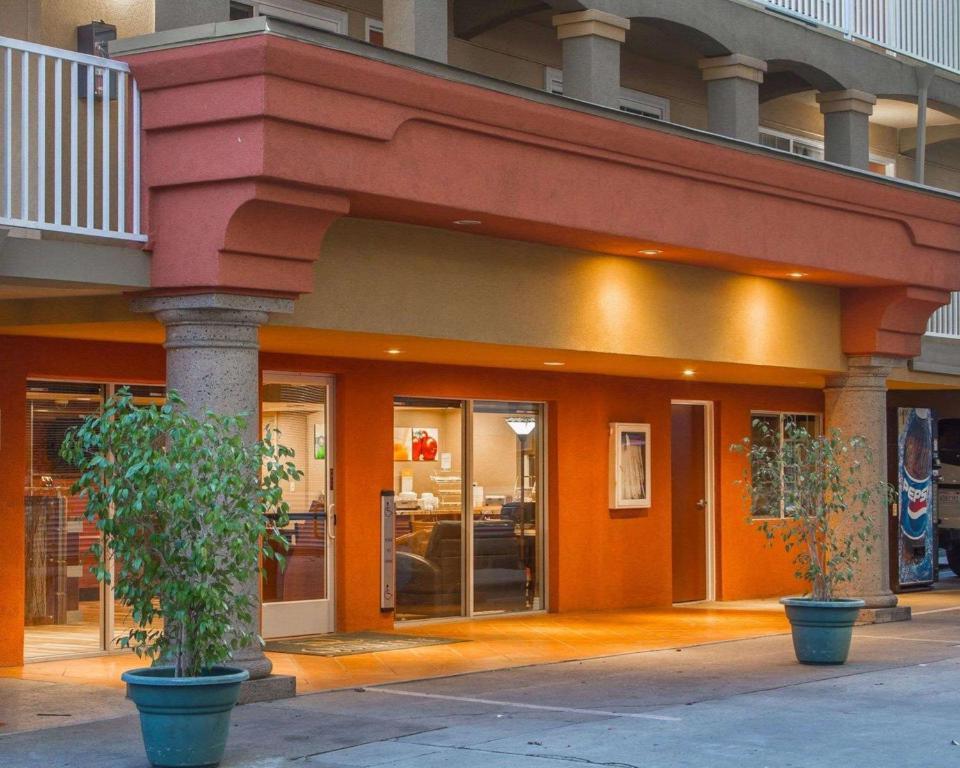 Quality Inn Sacramento photo