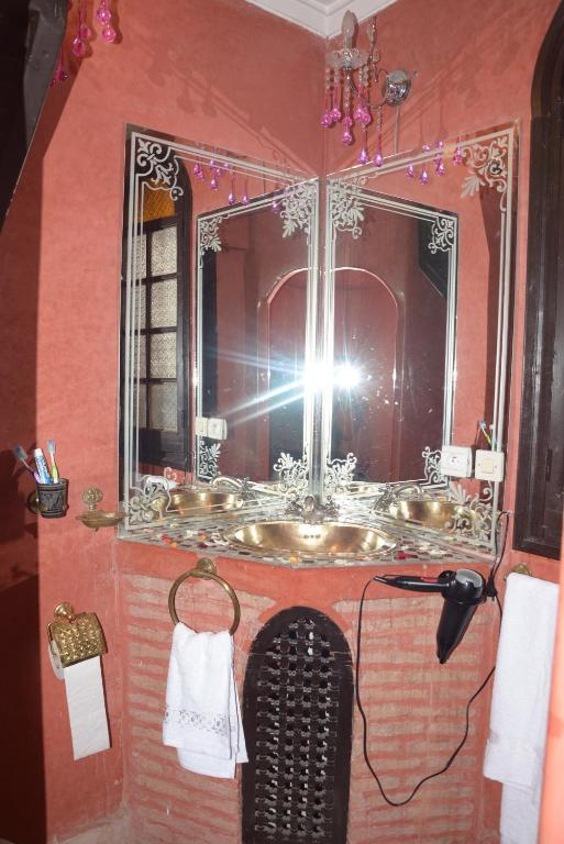 Standard Double Room Riad Assalam