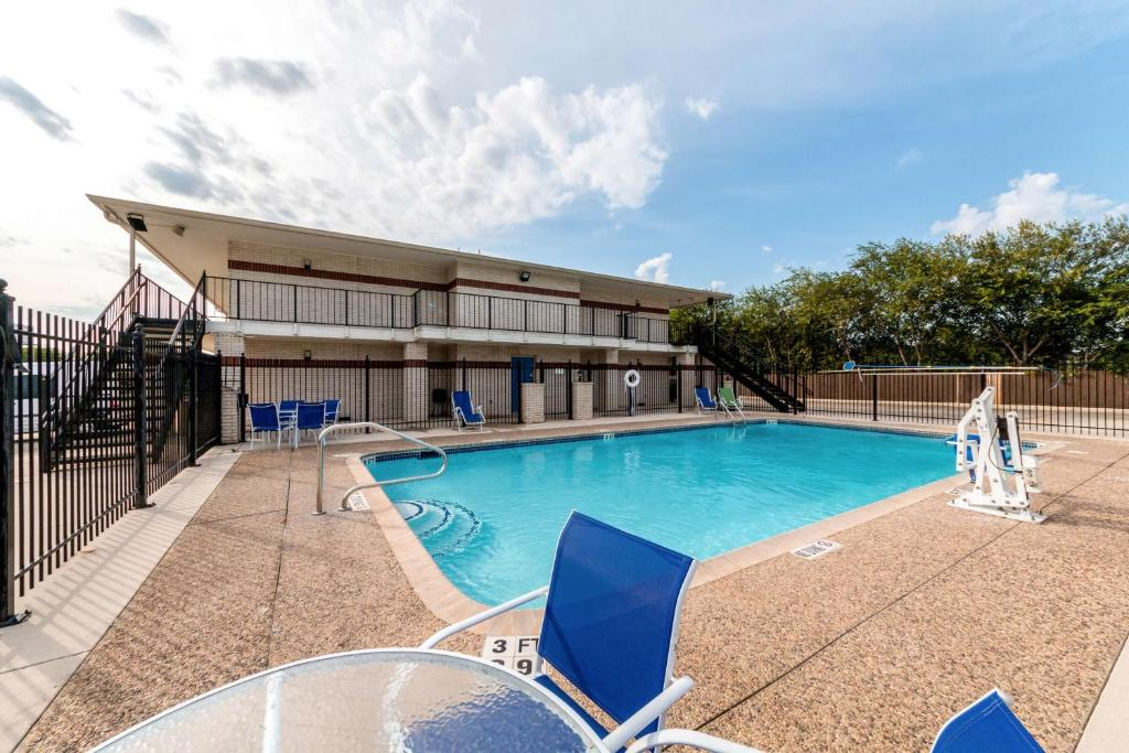 Piscina Motel 6 San Antonio