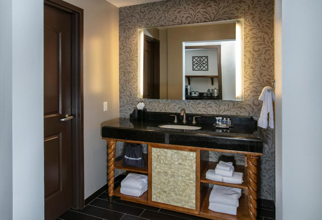 Bathroom Wyndham Grand Orlando Resort Bonnet Creek