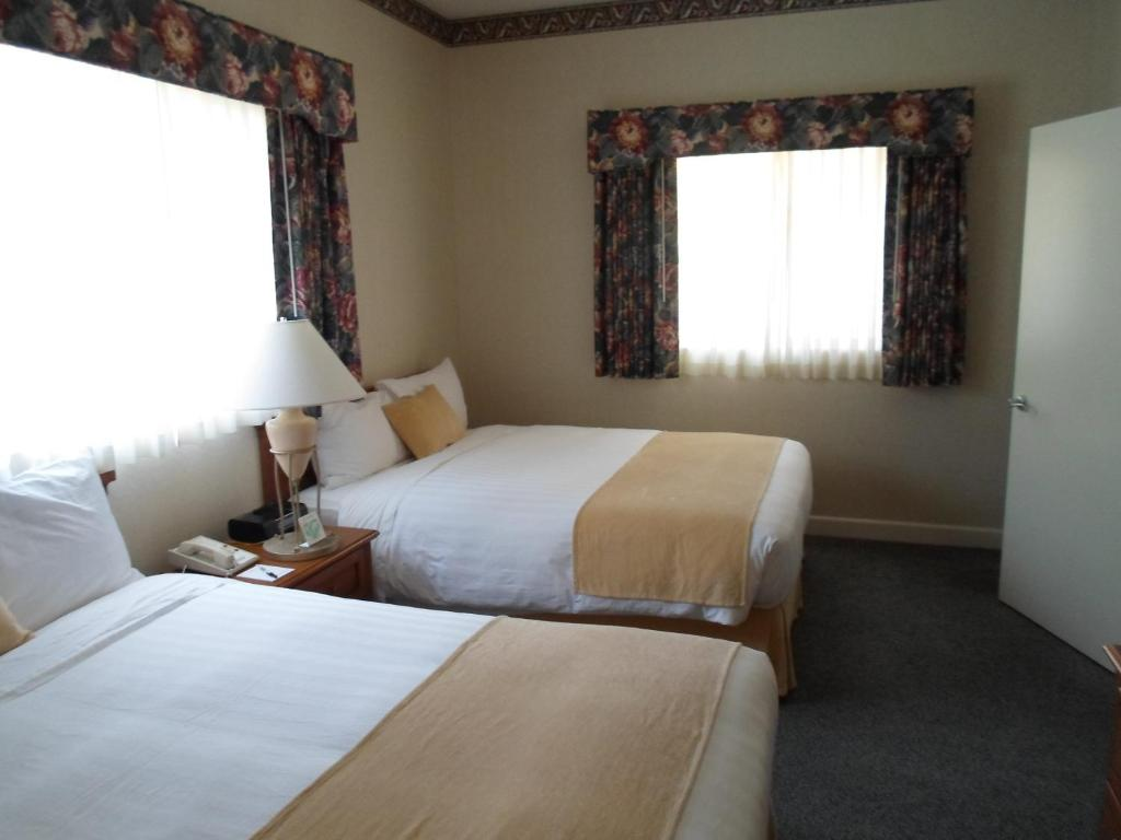 Book Now Grand Hotel (Sunnyvale, United States). Rooms Available for all budgets. This Sunnyvale hotel offers a year-round outdoor pool and hot tub. Free WiFi is included in all guest rooms.Warmly decorated all comfortably furnished rooms at the Grand Hotel