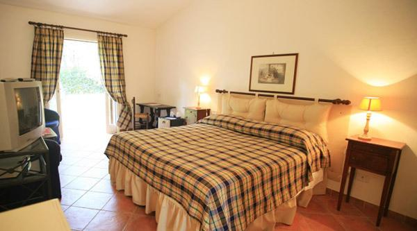 Book Now Riva Dei Tessali Hotel & Golf Resort (Castellaneta Marina, Italy). Rooms Available for all budgets. Riva Dei Tessali offers a golf course a private beach and 3 restaurants 8 km from Castellaneta Marina. Set among pine trees its rooms and apartments are spacious and air condi