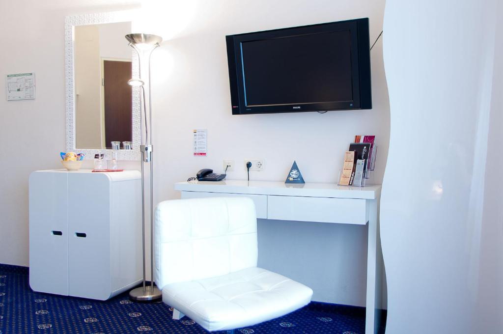 stadthotel gersthofen gersthofen viamichelin informationen und online buchungen. Black Bedroom Furniture Sets. Home Design Ideas