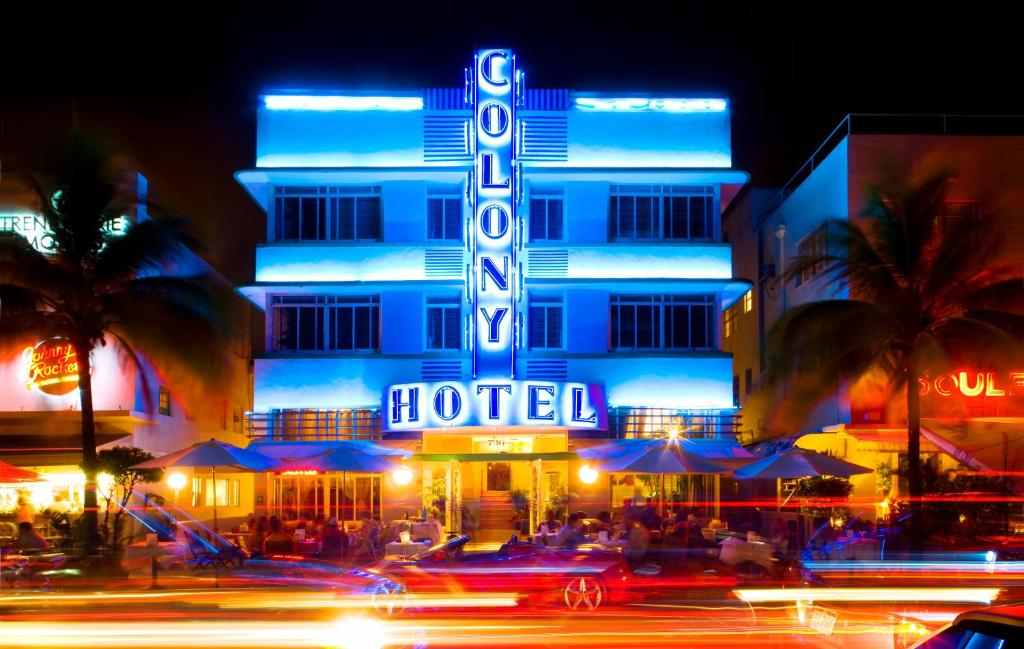 On Ocean Drive This Art Deco Hotel Is One Of The Most Photographed Along Miami S Famous South Beach