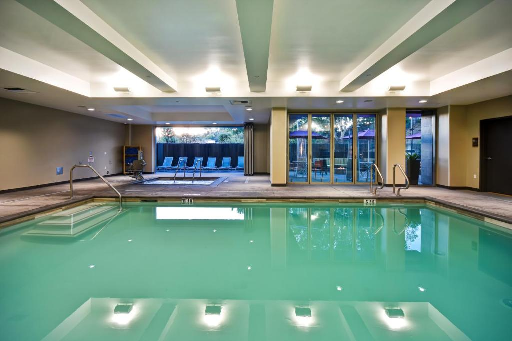 Swimming pool Home2 Suites by Hilton Los Angeles Montebello