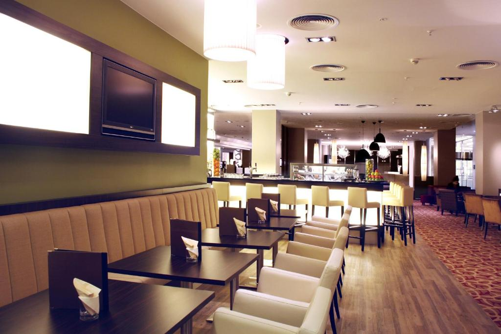 Crowne Plaza Berlin City Centre Starting From 78 Eur Hotel In