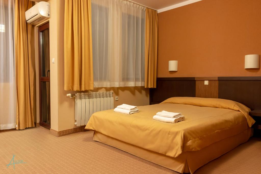 Double or Twin Room with Balcony Ostrova Holiday Village