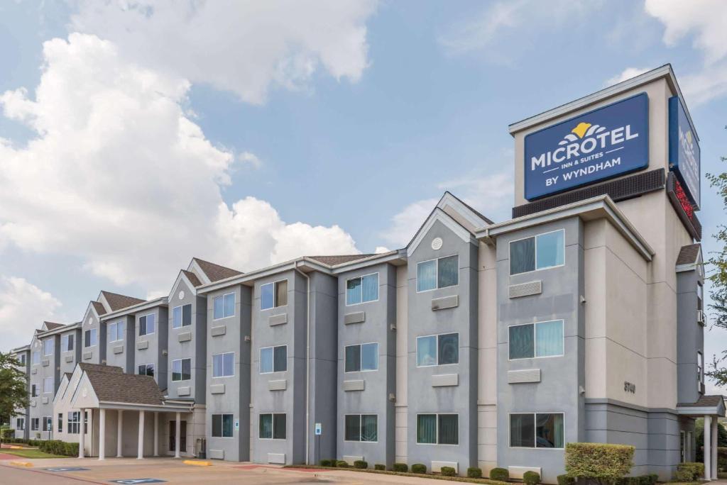 Microtel Inn & Suites By Wyndham Dallas/fort Worth photo