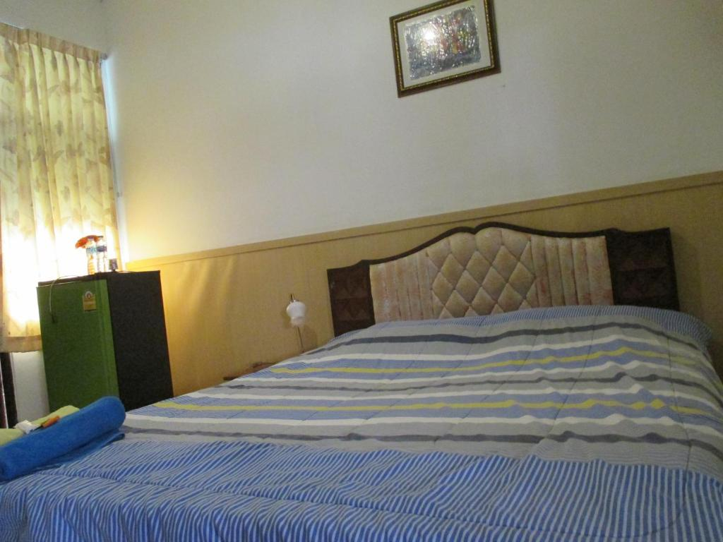 Small Double Room Sattaya Apartment