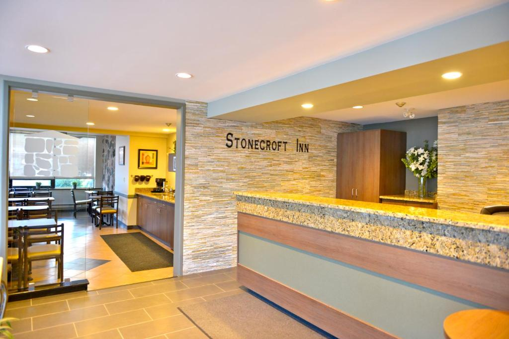 Book Now Stonecroft Inn (Windsor, Canada). Rooms Available for all budgets. Centrally located in the city of Windsor this inn is a 5 minutes' drive from Devonshire Mall and Roseland Golf Club. It features an on-site restaurant and spacious rooms with