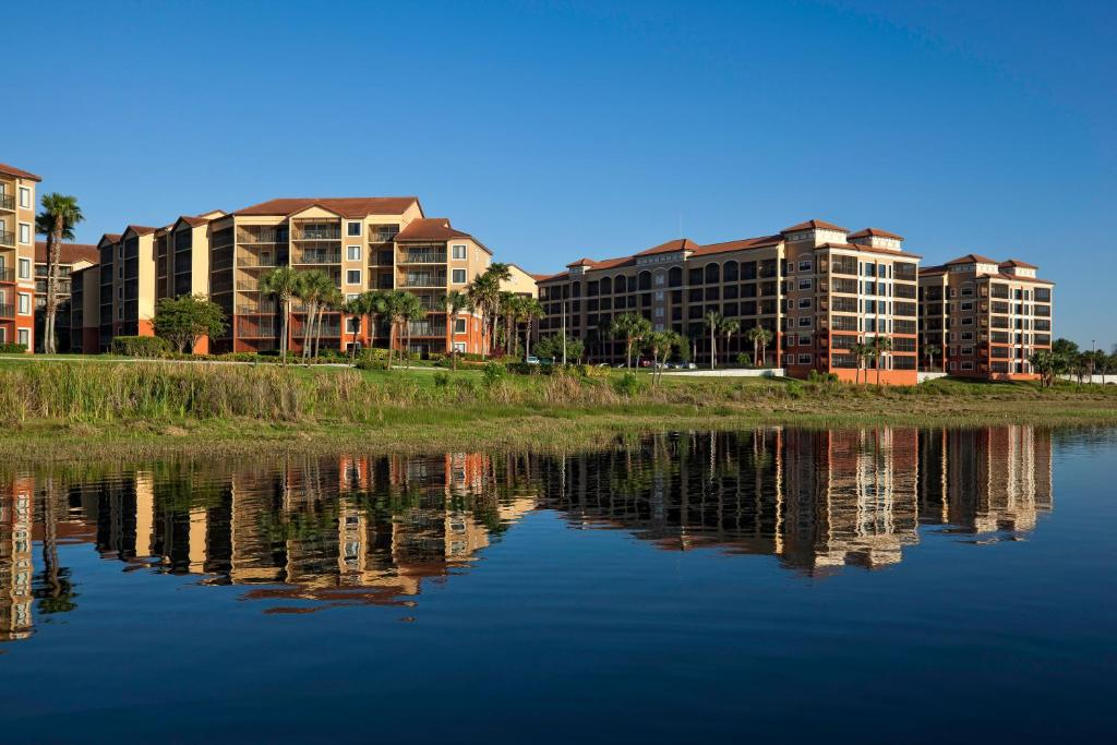 Book Now Westgate Lakes Resort And Spa (Orlando, United States). Rooms Available for all budgets. On-site restaurants seven outdoor pools sports courts and a full-service spa please our guests at the Westgate Lakes Resort and Spa located 12 miles from Orlando. The hotel ho