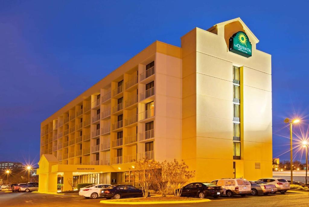 La Quinta Inn & Suites Nashville Airport/opryland photo