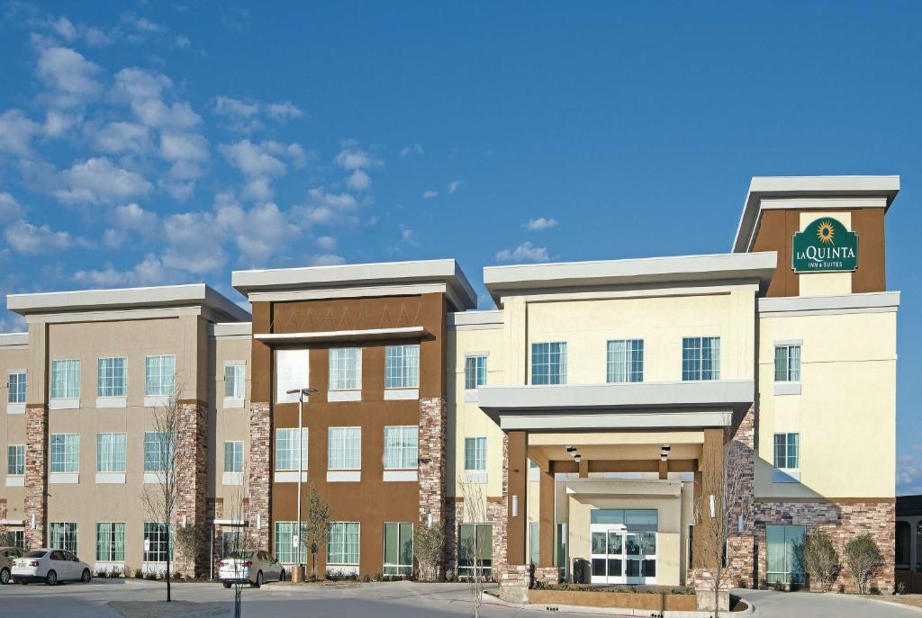 La Quinta Inn & Suites Fort Worth West I-30 photo