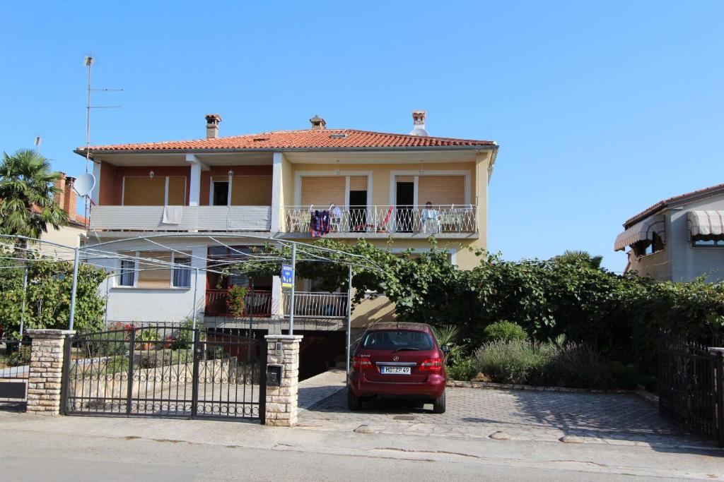 Apartments & Rooms Orhidea