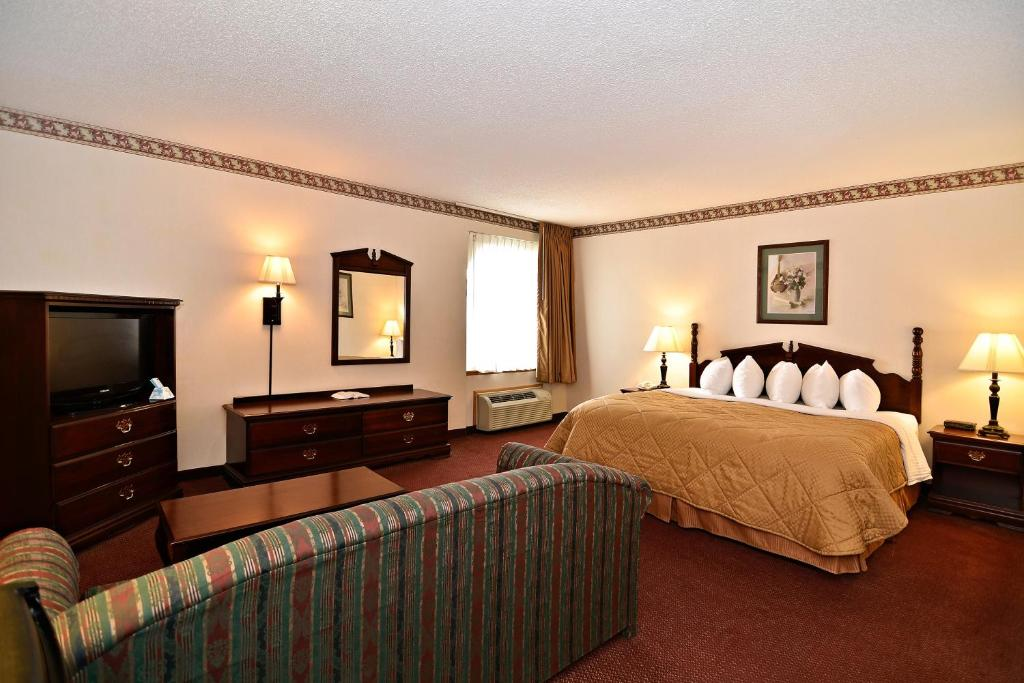 Book Now Best Western Music Capital Inn (Branson, United States). Rooms Available for all budgets. Free Wi-Fi free full breakfast and free parking get our guests grinning at the non-smoking Best Western Music Capital Inn. This four-story hotel has 93 rooms. The rooms includ