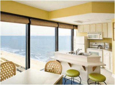 Only Steps From The Beach And Near Attractions Including Myrtle