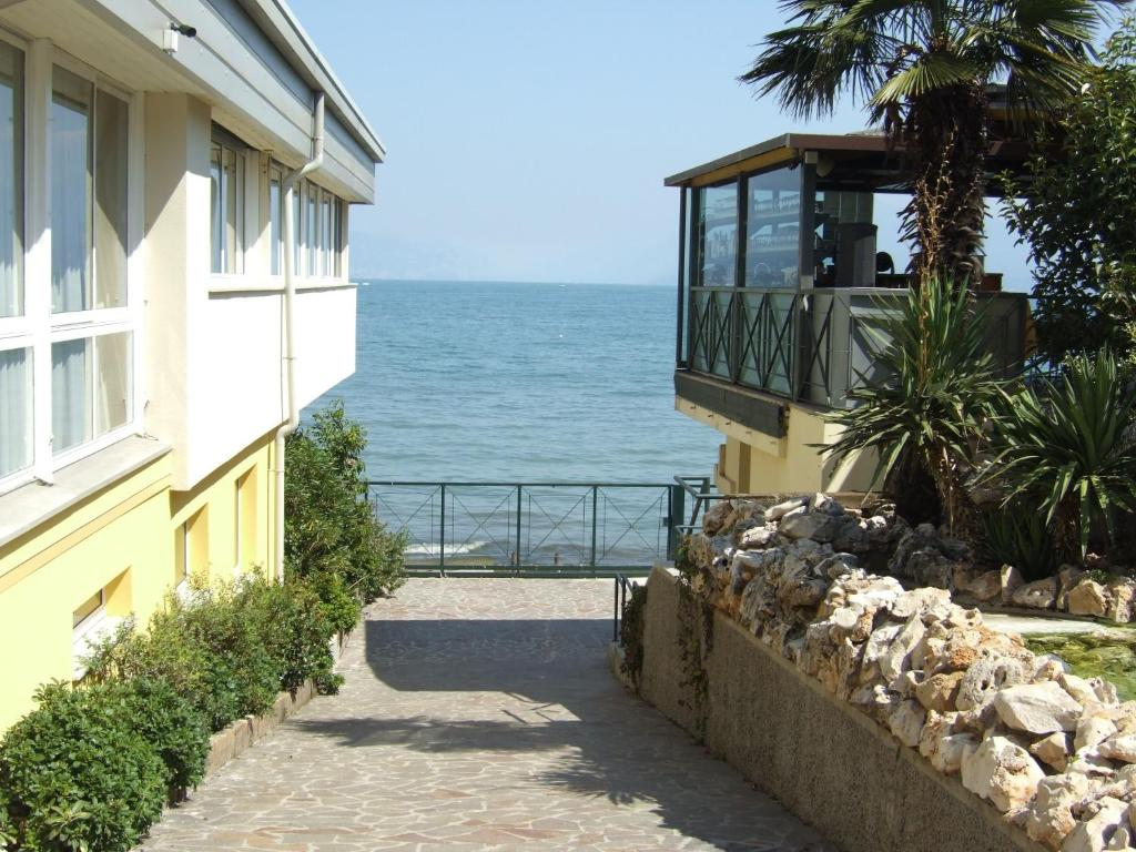 Book Now Hotel Estee (Desenzano del Garda, Italy). Rooms Available for all budgets. Directly located on the shores of Lake Garda Hotel Estée offers panoramic lake views from its terrace outdoor pool and breakfast room. Set in Desenzano Del Garda it provi