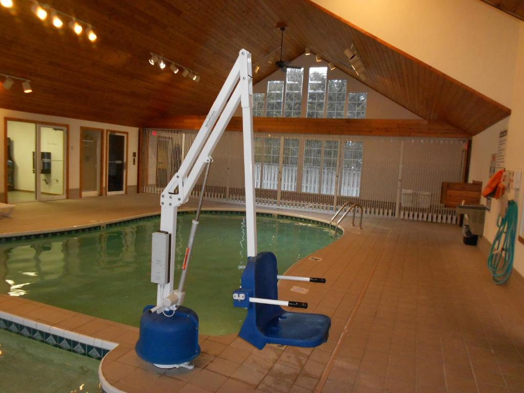 Book Now Homestead Suites - Fish Creek (Fish Creek, United States). Rooms Available for all budgets. Less than 15 minutes' walk from Fish Creek Harbor this Wisconsin hotel features indoor and outdoor pools and 2 hot tubs. Every room and suite offers a balcony or patio. Free W