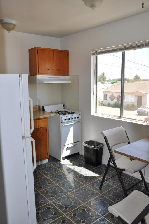Book Now LAX Suites (Inglewood, United States). Rooms Available for all budgets. Conveniently located off the 405 Freeway and 3 miles from Los Angeles International Airport this budget California motel offers an outdoor pool a guest launderette and free on