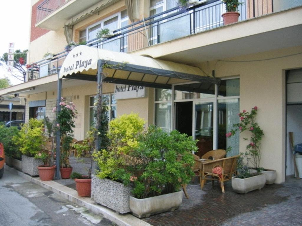 Book Now Hotel Playa (Rimini, Italy). Rooms Available for all budgets. Hotel Playa is set on Viserbella's seafront just 10 minutes' drive up the coast from Rimini. It has a furnished sea-view terrace and you can rent bikes free here.The Playa is