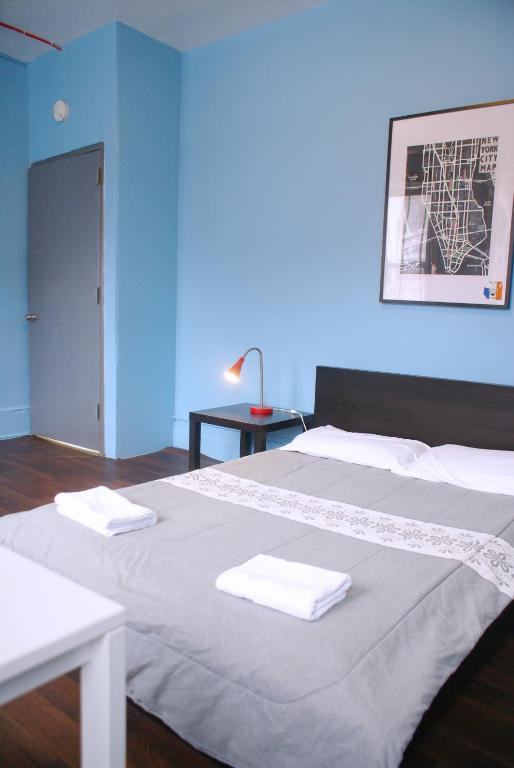 Book Now Chelsea Highline Hostel (New York City, United States). Rooms Available for all budgets. Located in the chic Manhattan neighbourhood of Chelsea this hostel is 1 mile from High Line Park and features free Wi-Fi in the lobby. Various art galleries are within 5 minut
