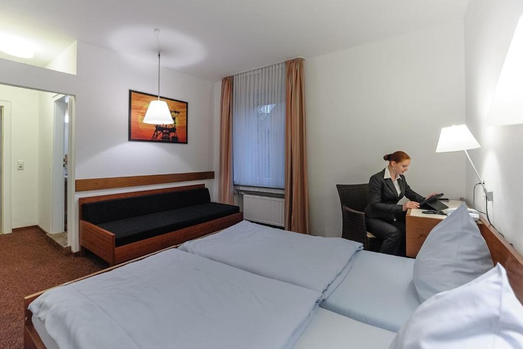 akzent hotel b ll essen altenessen s d zarezerwuj online viamichelin. Black Bedroom Furniture Sets. Home Design Ideas