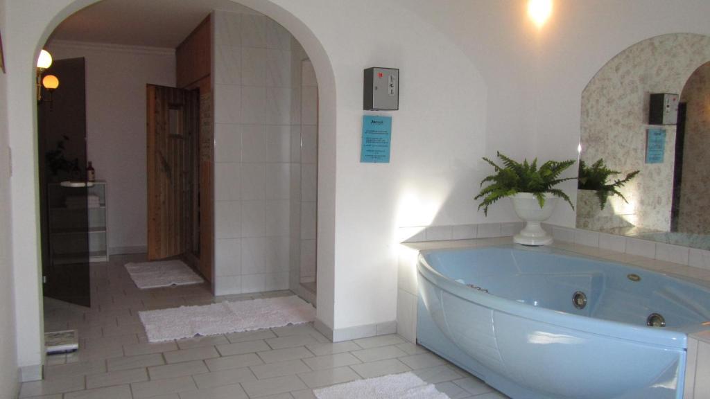 Hotel Schone Aussicht Starting From 63 Eur Hotel In Salzburg