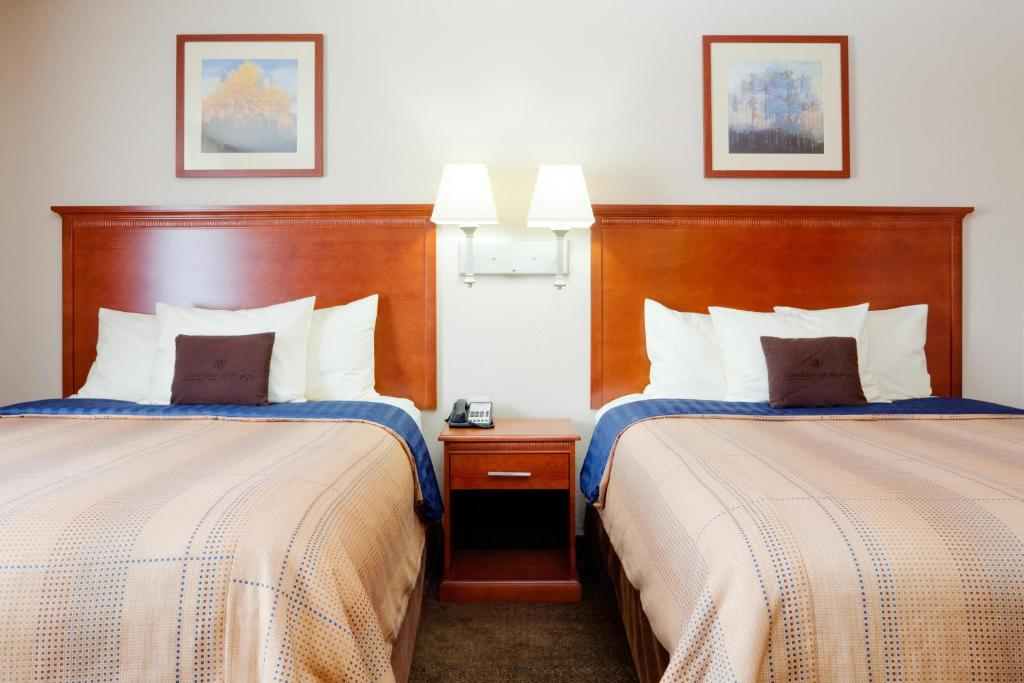 Book Now Candlewood Suites Rocky Mount (Rocky Mount, United States). Rooms Available for all budgets. With a sparkling pool kitchenettes free laundry facilities and Wi-Fi access the Candlewood Suites Rocky Mount also manages to have very reasonable rates. The three-story Candl