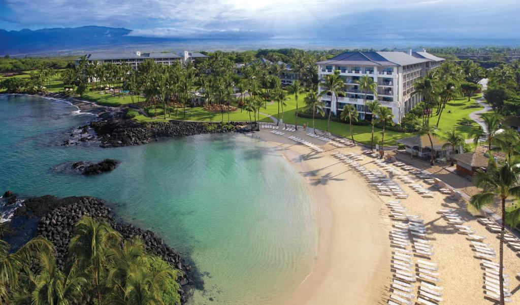 Book Now Fairmont Orchid Hawaii (Hapuna Beach, United States). Rooms Available for all budgets. TA-364-8059-55 Overlooking its own lagoon on the Kohala Coast the Fairmont Orchid Hawaii is a serene upscale Big Island resort offering every amenity. This 540-room mid-rise h