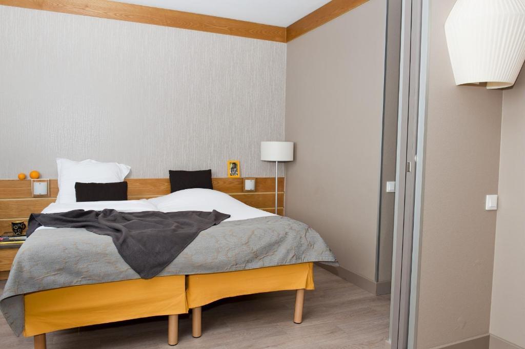 APARTHOTEL ADAGIO PARIS XV (Frankrike) - Hotell ...