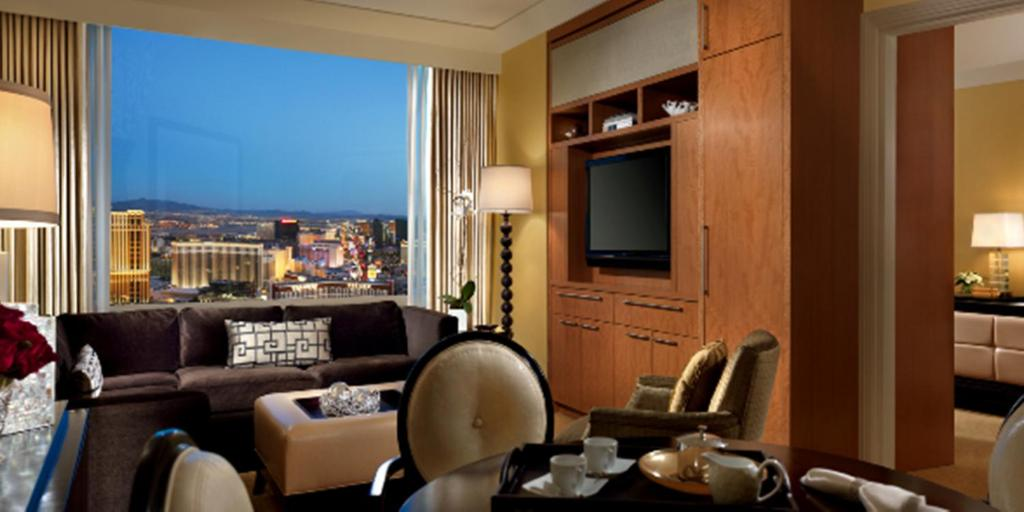 Book Now Trump International Hotel Las Vegas (Las Vegas, United States). Rooms Available for all budgets. Luxury is a word heard again and again at the non-smoking Trump International Hotel Las Vegas where a diligent staff's commitment to superior style enhances this towering land