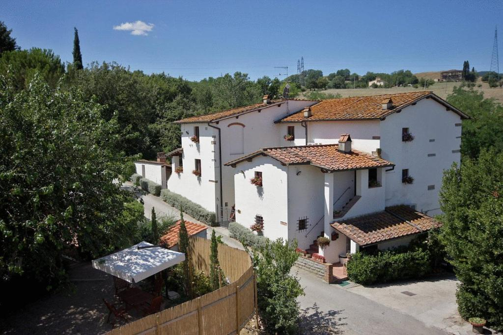 Book Now Tenuta Il Burchio (Incisa in Valdarno, Italy). Rooms Available for all budgets. Tenuta Il Burchio is a 16th-century Tuscan hamlet set a short drive from Florence. You will find an outdoor pool and riding stables in these beautiful 3-hectare grounds.Surrou